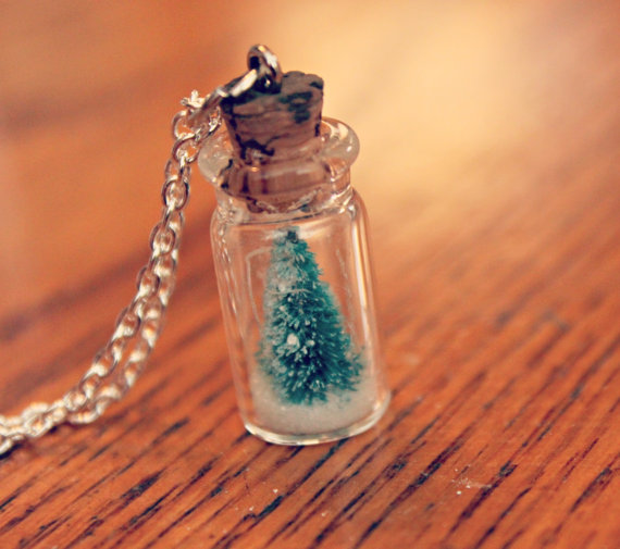 Snow Globe Necklace from Brass and Thread