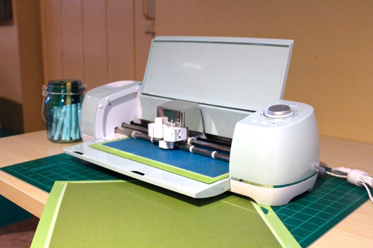 Cricut with cutting mats