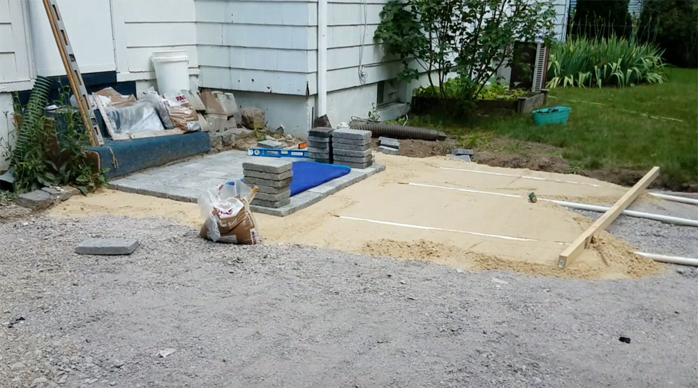 How to Install a Paver Patio - Weekend Craft