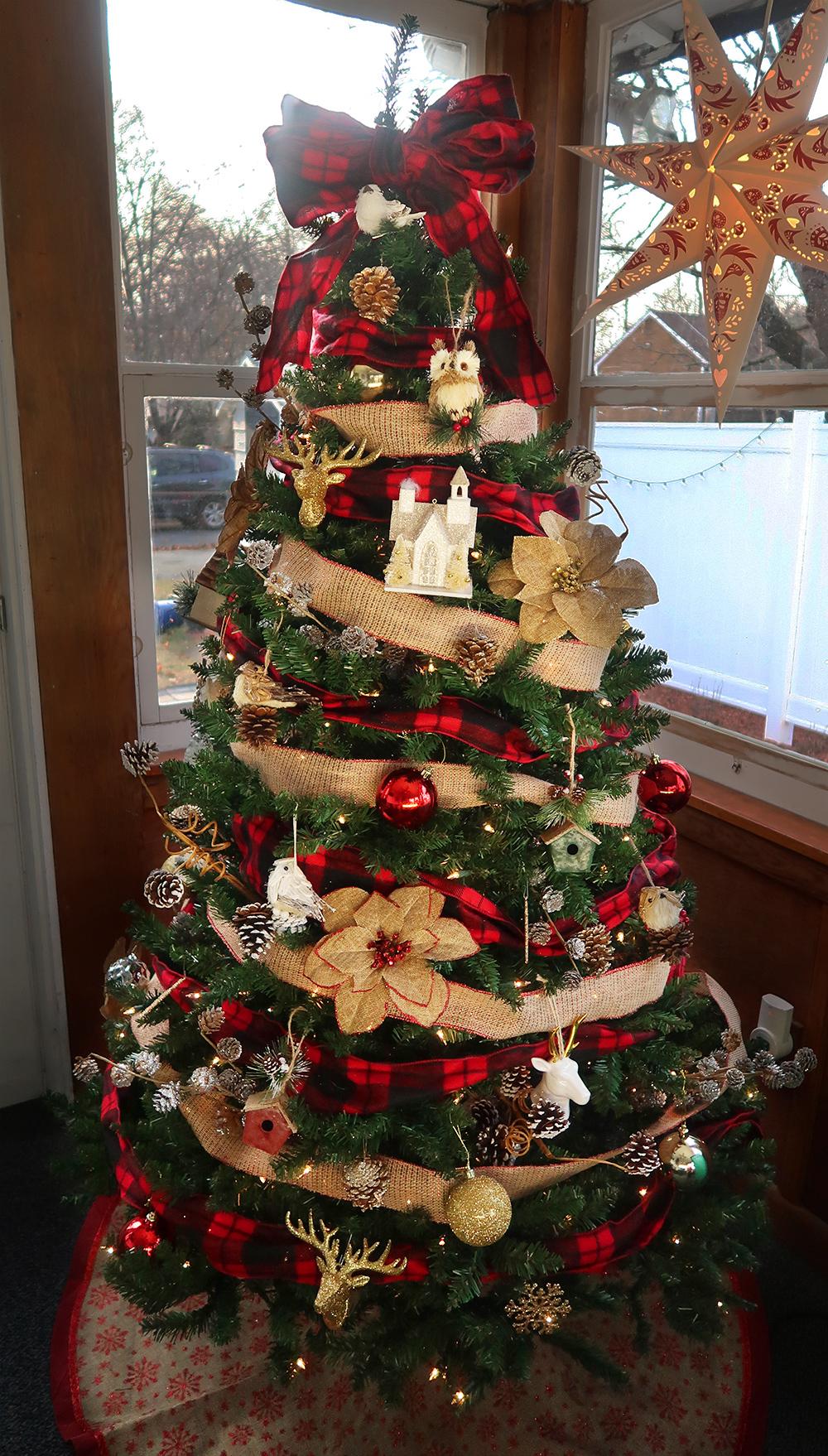 buffalo plaid christmas tree