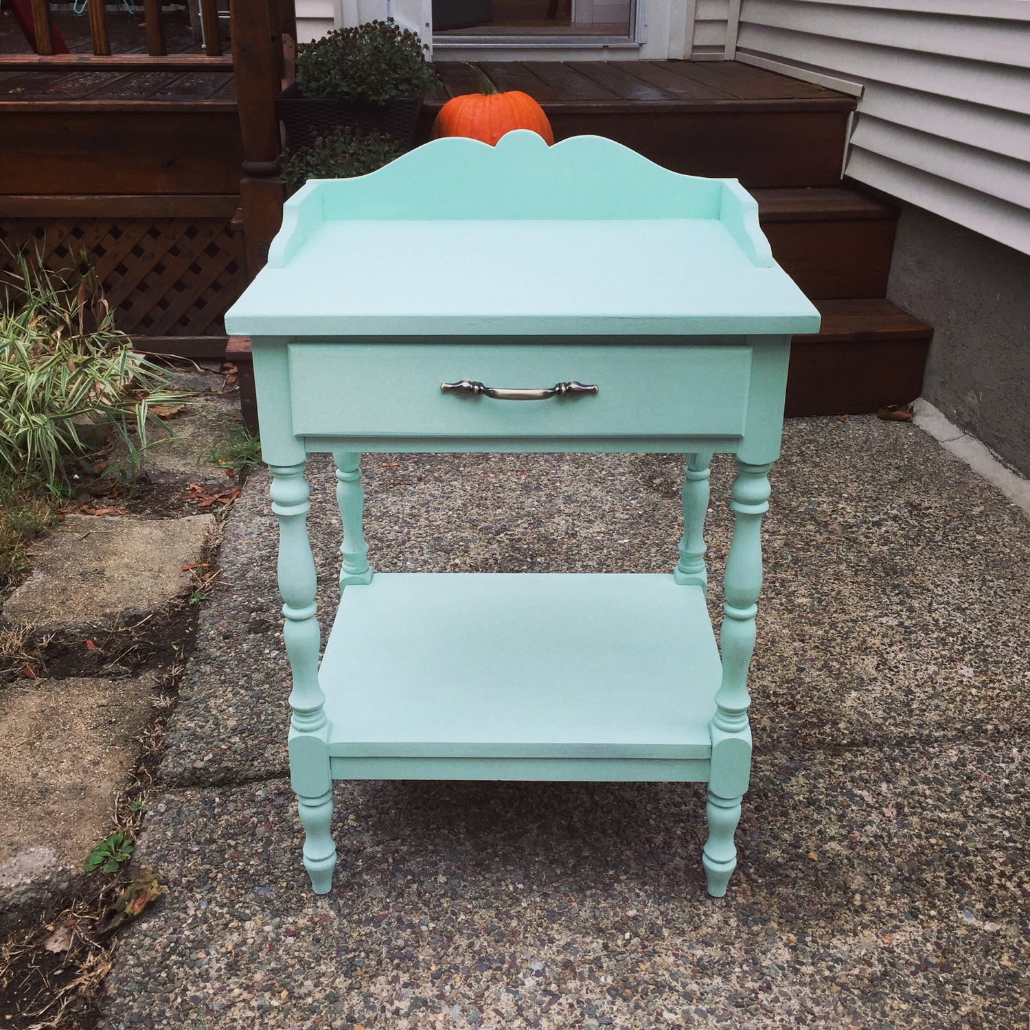 DIY Mint Painted End Table